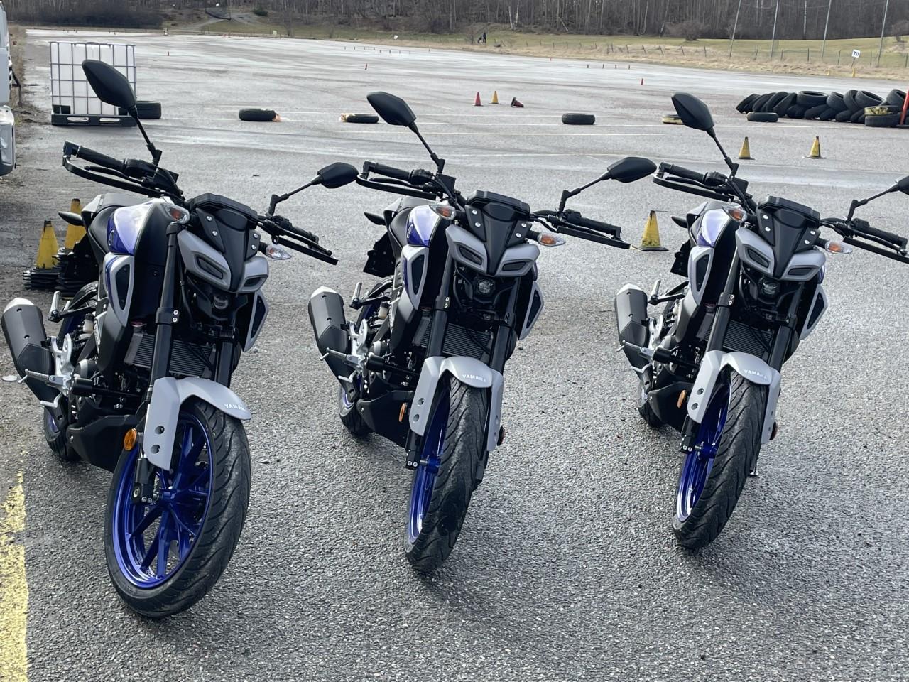 Våra nya fräscha Yamaha MT -125 nya modellen 2021